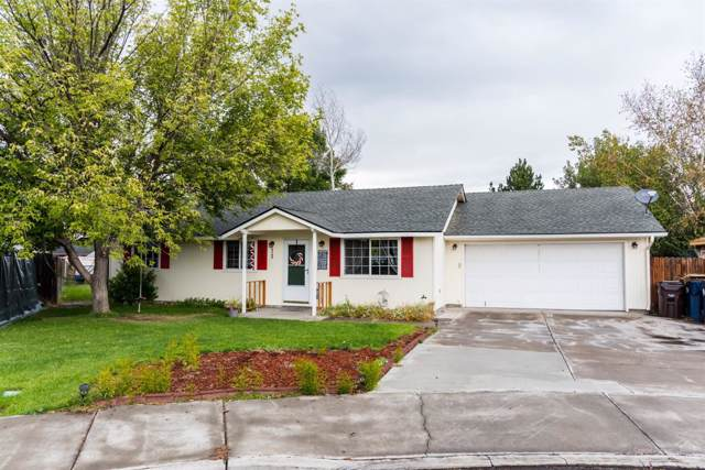 3163 SW Reindeer Court, Redmond, OR 97756 (MLS #201908952) :: Team Birtola | High Desert Realty