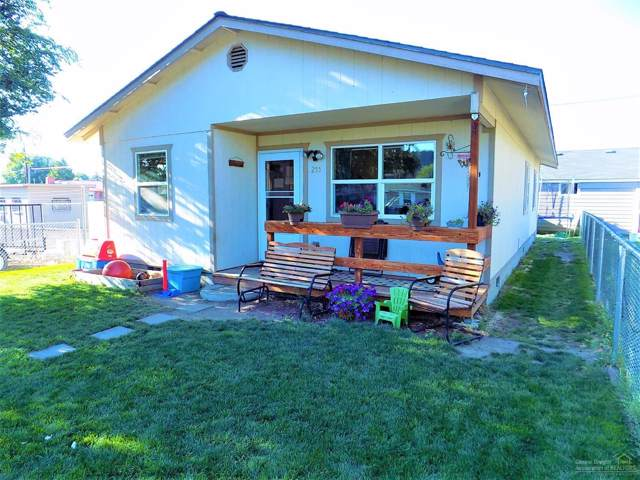 255 SE 4th Street, Prineville, OR 97754 (MLS #201908959) :: The Ladd Group