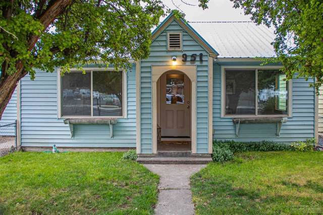 951 NW 2nd Street, Prineville, OR 97754 (MLS #201909366) :: Berkshire Hathaway HomeServices Northwest Real Estate