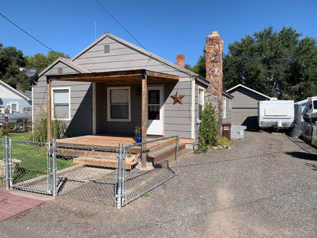 1565 SE Mountain View Drive, Prineville, OR 97754 (MLS #201909462) :: Berkshire Hathaway HomeServices Northwest Real Estate
