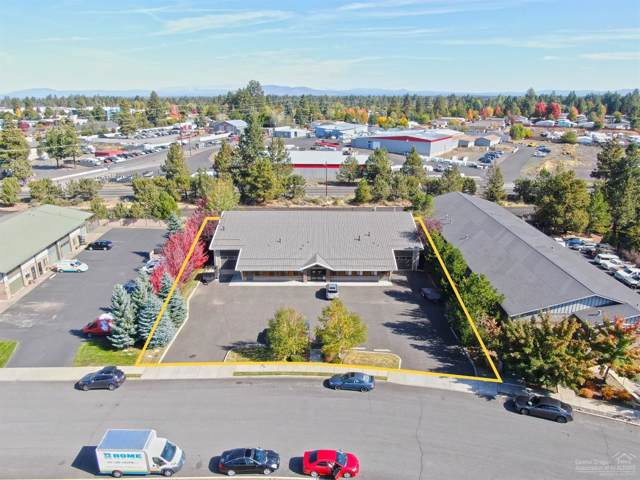 1052 SE Paiute Way, Bend, OR 97702 (MLS #201909747) :: Fred Real Estate Group of Central Oregon