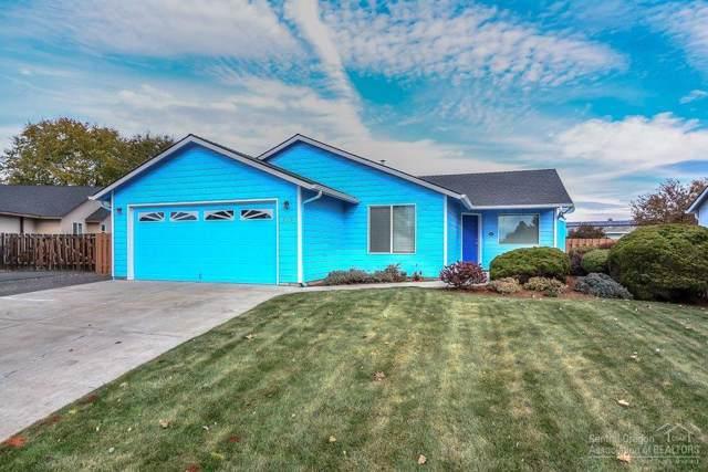703 NE Oak Place, Redmond, OR 97756 (MLS #201909768) :: Windermere Central Oregon Real Estate