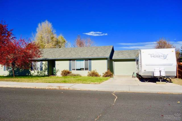 3068 SW Volcano Circle, Redmond, OR 97756 (MLS #201909971) :: Windermere Central Oregon Real Estate