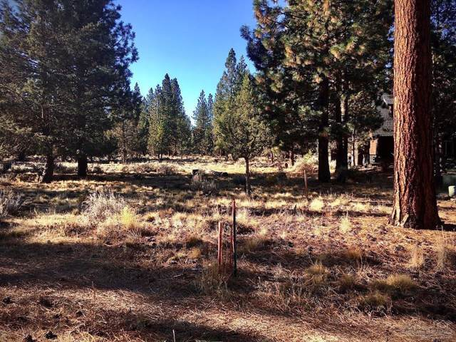 892 S New Moon Court, Sisters, OR 97759 (MLS #201910116) :: Fred Real Estate Group of Central Oregon
