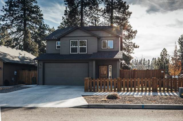 20285 SE Knightsbridge Place, Bend, OR 97702 (MLS #201910279) :: The Ladd Group