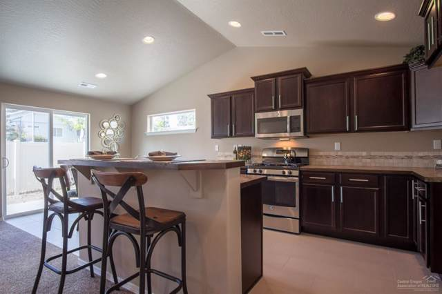 2584 NW Ivy Way, Redmond, OR 97756 (MLS #201910617) :: Berkshire Hathaway HomeServices Northwest Real Estate