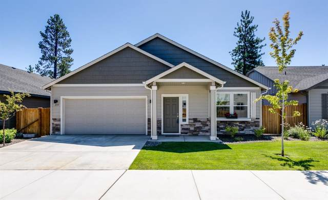 1157 W Hill Avenue, Sisters, OR 97759 (MLS #201910623) :: Fred Real Estate Group of Central Oregon
