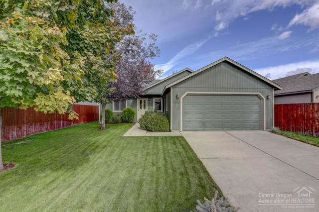 3265 SW Metolius Place, Redmond, OR 97756 (MLS #201910694) :: Berkshire Hathaway HomeServices Northwest Real Estate