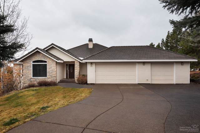285 NW Scenic Heights Drive, Bend, OR 97703 (MLS #201910851) :: The Ladd Group