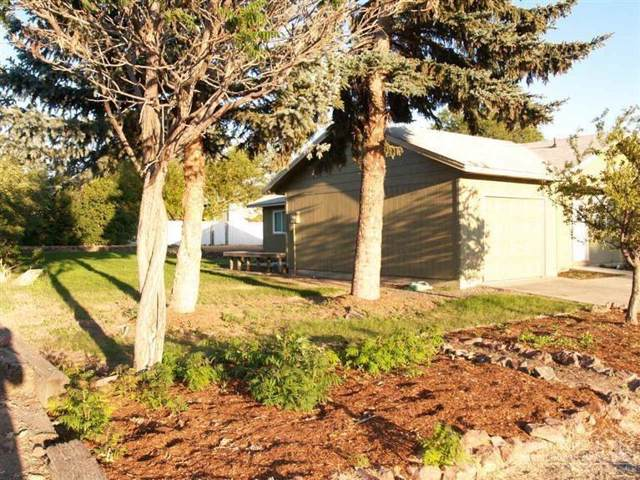 730 E Ridgeview Drive, Culver, OR 97734 (MLS #201911053) :: Berkshire Hathaway HomeServices Northwest Real Estate
