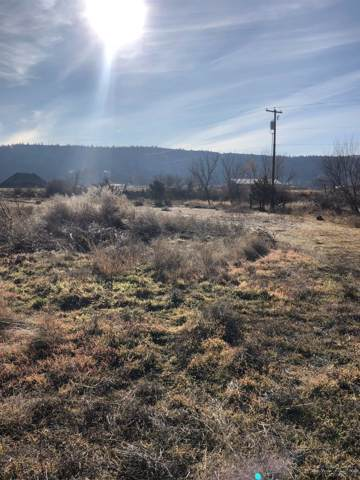 1741 NW Village Court, Prineville, OR 97754 (MLS #201911058) :: The Ladd Group