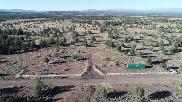 7350 SE Gravett Road, Prineville, OR 97754 (MLS #202000304) :: Central Oregon Home Pros