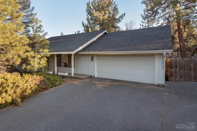 20987 Desert Woods Drive, Bend, OR 97702 (MLS #202000454) :: Central Oregon Home Pros
