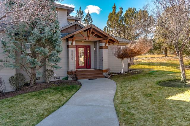 8520 Golden Pheasant Court, Redmond, OR 97756 (MLS #202000914) :: The Ladd Group