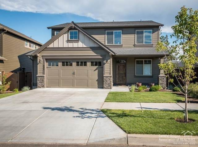20705 NE Comet Court, Bend, OR 97701 (MLS #202001105) :: The Ladd Group