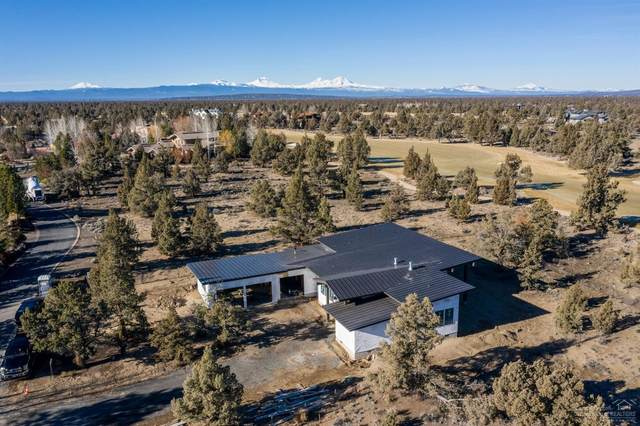 65863 Bearing Drive, Bend, OR 97701 (MLS #202001123) :: Fred Real Estate Group of Central Oregon