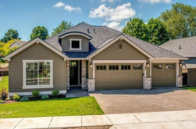 3087 NW Hidden Ridge Drive, Bend, OR 97703 (MLS #202001334) :: Fred Real Estate Group of Central Oregon