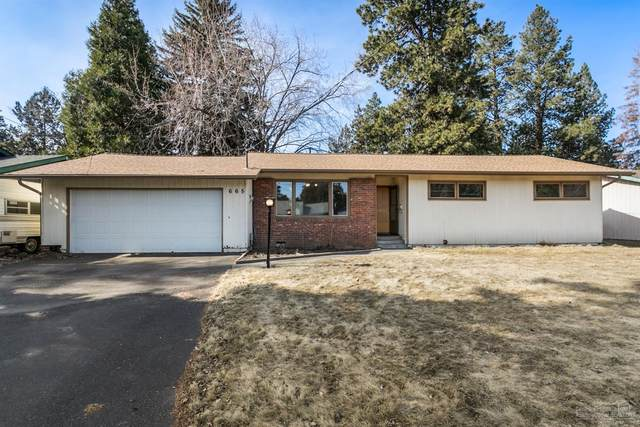 665 NE 12th Street, Bend, OR 97701 (MLS #202001357) :: Fred Real Estate Group of Central Oregon
