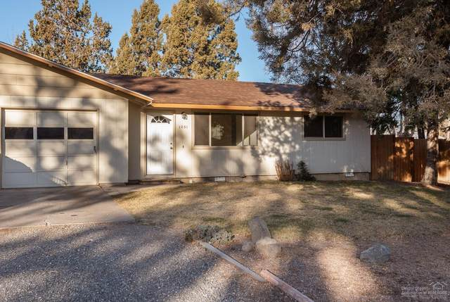 1051 SW 18th Street, Redmond, OR 97756 (MLS #202001378) :: Fred Real Estate Group of Central Oregon