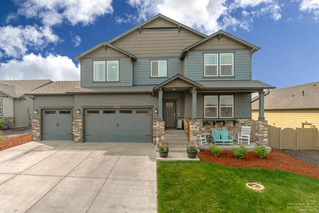 4412 SW Umatilla Avenue, Redmond, OR 97756 (MLS #202001383) :: The Ladd Group