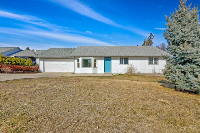 3443 SW Salmon Avenue, Redmond, OR 97756 (MLS #202001456) :: Coldwell Banker Bain