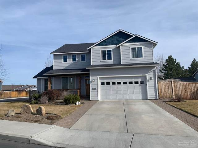 1622 NW Rimrock Court, Redmond, OR 97756 (MLS #202001462) :: Coldwell Banker Bain