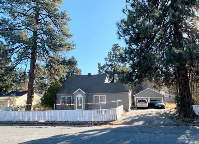 417 SE Yew, Bend, OR 97702 (MLS #202001481) :: The Ladd Group