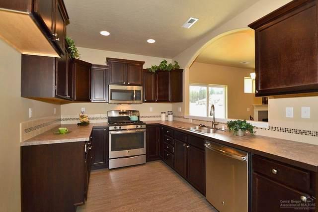2511 NW Ivy Way, Redmond, OR 97756 (MLS #202001508) :: Berkshire Hathaway HomeServices Northwest Real Estate