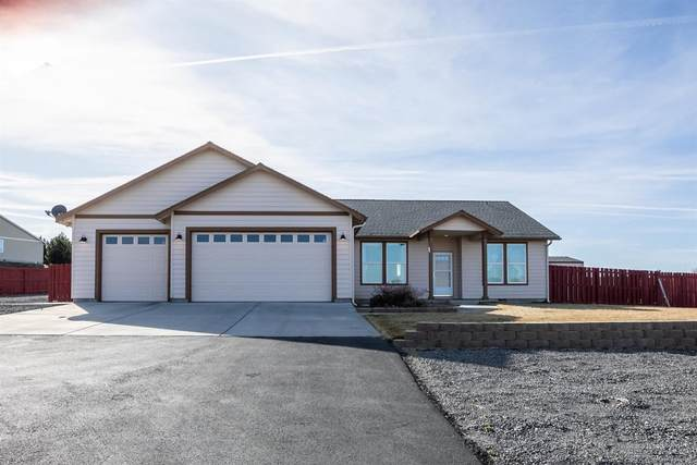 2530 SE Bitterbrush Drive, Madras, OR 97741 (MLS #202001531) :: Bend Homes Now