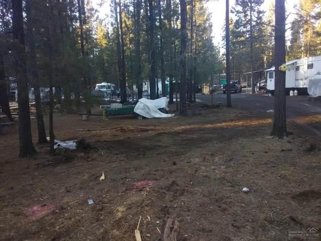51839 SW Pine Loop Drive, La Pine, OR 97739 (MLS #202001540) :: The Ladd Group