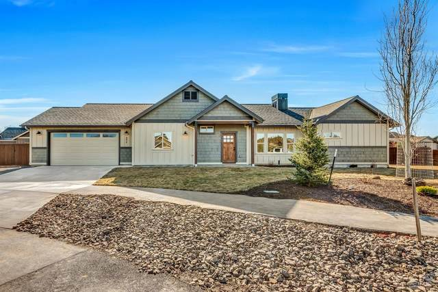 192 NW Saddlehorn Court, Prineville, OR 97754 (MLS #202001547) :: Coldwell Banker Bain