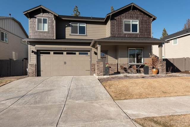 20634 SE Sweetfern Drive, Bend, OR 97702 (MLS #202001580) :: Coldwell Banker Bain
