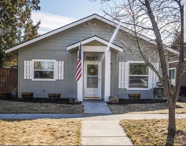 61186 Larkspur Loop, Bend, OR 97702 (MLS #202001759) :: Bend Homes Now