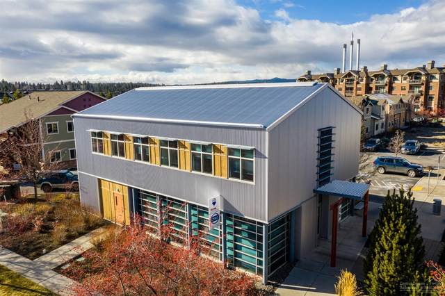 333 SW Upper Terrace Drive, Bend, OR 97702 (MLS #202001898) :: The Ladd Group