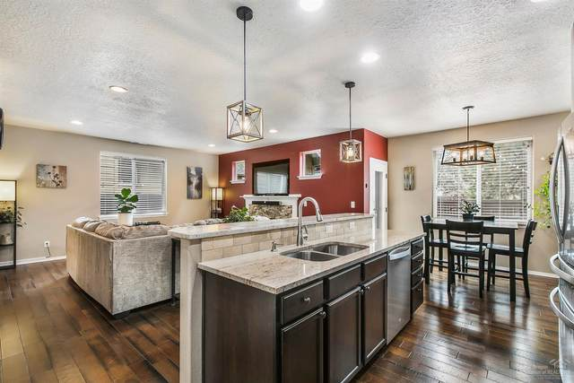 19717 SW Aspen Meadows Drive, Bend, OR 97702 (MLS #202002031) :: Bend Homes Now