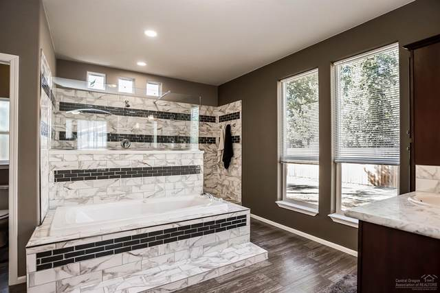 51305 Anchor Way, La Pine, OR 97739 (MLS #202002091) :: Berkshire Hathaway HomeServices Northwest Real Estate