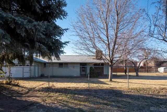 2010 SW Reindeer Avenue, Redmond, OR 97756 (MLS #202002115) :: Fred Real Estate Group of Central Oregon