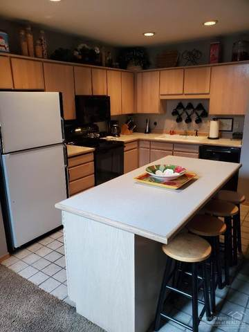 57922 Silver Fir, Sunriver, OR 97707 (MLS #202002246) :: Berkshire Hathaway HomeServices Northwest Real Estate