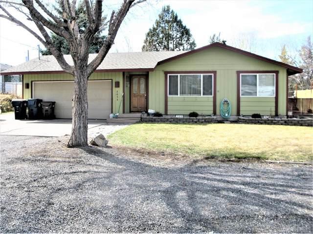 2055 SW 21st Street, Redmond, OR 97756 (MLS #202002435) :: Team Birtola | High Desert Realty