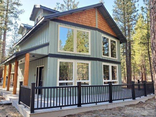 51801 Pine Loop Drive, La Pine, OR 97739 (MLS #202002505) :: Team Birtola | High Desert Realty