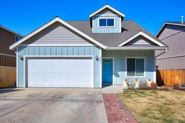 62071 Wolcott Place, Bend, OR 97701 (MLS #202002516) :: Berkshire Hathaway HomeServices Northwest Real Estate