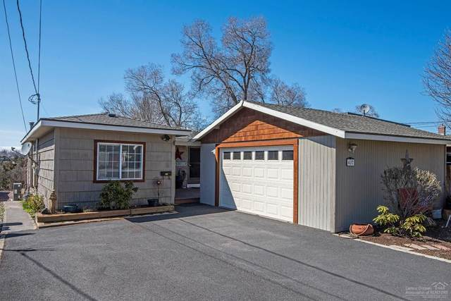 437 NW 12th Street, Redmond, OR 97756 (MLS #202002936) :: The Ladd Group