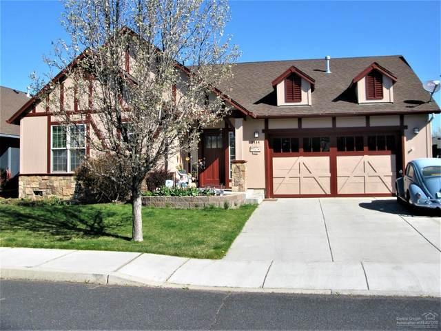 3435 SW Lava Avenue, Redmond, OR 97756 (MLS #202003130) :: Berkshire Hathaway HomeServices Northwest Real Estate