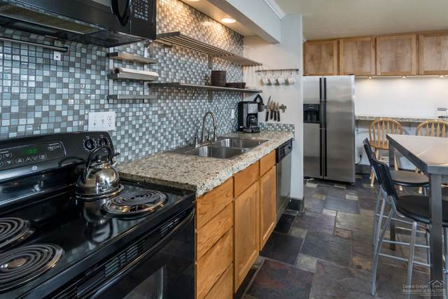 1565 NW Wall Street #146, Bend, OR 97701 (MLS #202003213) :: CENTURY 21 Lifestyles Realty