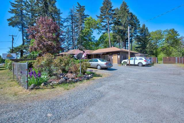 23772 Redwood Highway, Kerby, OR 97531 (MLS #220100411) :: Premiere Property Group, LLC