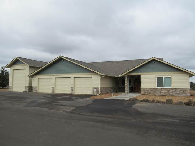 22063 Rickard Road, Bend, OR 97702 (MLS #220100586) :: Fred Real Estate Group of Central Oregon