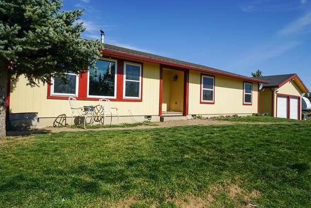 5555 SE Thomas Road, Prineville, OR 97754 (MLS #220100731) :: Team Birtola | High Desert Realty