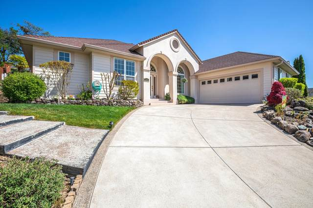 371 Patricia Lane, Eagle Point, OR 97524 (MLS #220100785) :: Berkshire Hathaway HomeServices Northwest Real Estate