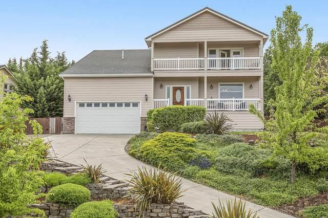 4142 Tamarack Drive, Medford, OR 97504 (MLS #220101013) :: CENTURY 21 Lifestyles Realty