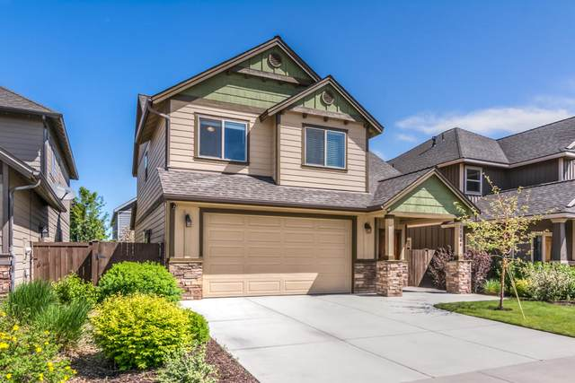21368 NE Evelyn Place, Bend, OR 97701 (MLS #220101067) :: CENTURY 21 Lifestyles Realty
